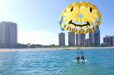 parasailing in riviera beach